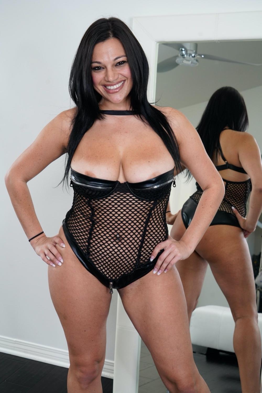 Mona Azar VR Porn - Mona Azar Virtual Reality Porn