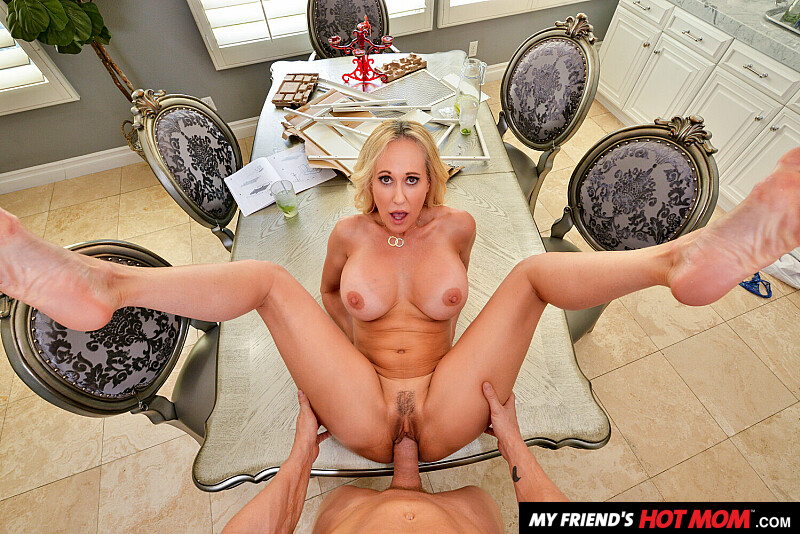 My Friend's Hot Mom - Brandi Love Virtual Reality Porn - Brandi Love VR Porn