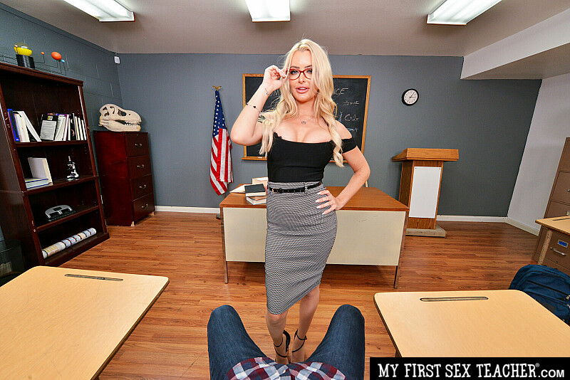 My First Sex Teacher - Linzee Ryder VR Porn - Linzee Ryder Virtual Reality Porn - Linzee Ryder Stockings